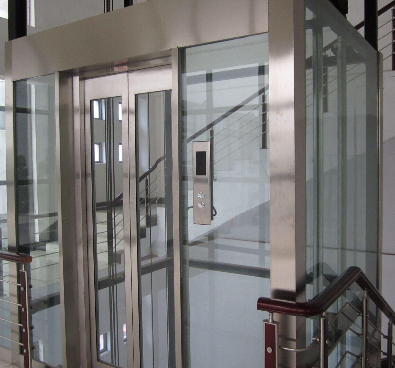 摘 要:以台达电梯一体机IED电梯一体化控制系统为例,介绍控制系统的设计。结合电梯的基本原理,进行了一体化控制系统的功能规划和硬件电路设计。 关键词:电梯 一体化 控制系统 Abstract: In delta of IED elevator integration control system for example, Introduce the design of the control system of integration.