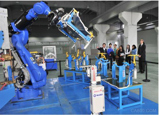 安川美的机器人项目揭牌