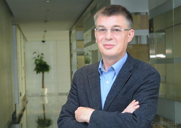 威盛电子全球营销副总裁Richard Brown先生