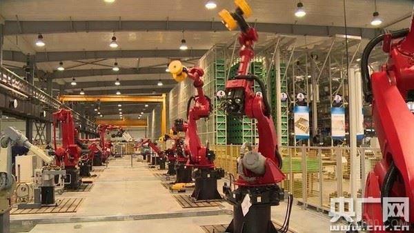 新松 机器人 数字化车间