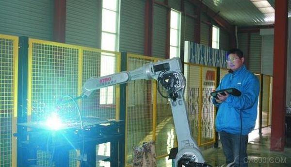 由数控机床加工迈向高端机器人制造