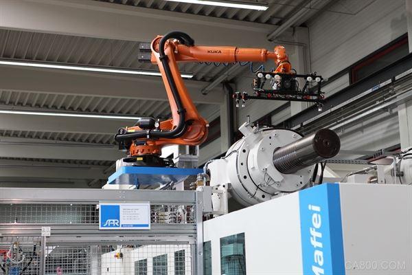 自动化,塑料行业,机器人,克劳斯玛菲,KUKA