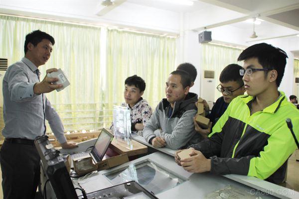 顾美科技,华南农业,PLC一体机,人机界面