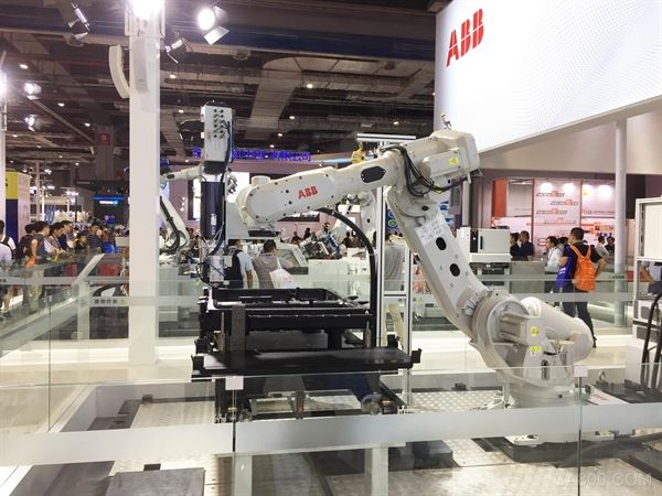 工业经济联合会会长李毅,,中国机器人产业