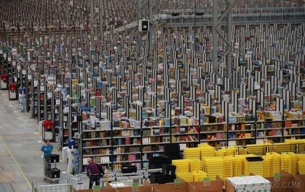 全自动仓库,亚马逊机器人