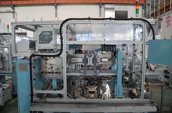 2016年智能制造示范项目之新松机器人医药包装材料车间