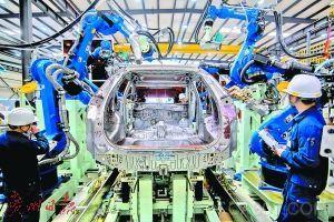 """""""机器换人""""需求迫切 广州规划工业机器人产值3000亿"""