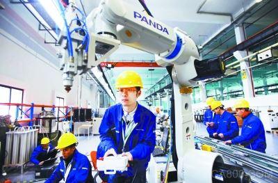 南京熊猫电子将用机器人造机器人