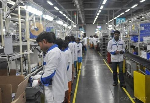 印度手机工厂大幅削减产能 富士康1/4员工被迫休假