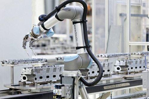 """东莞""""机器换人""""提速 将建设智能制造示范线"""
