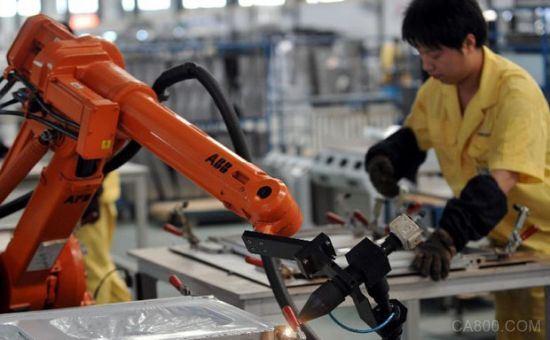 """""""机器换人""""产需对接 智能制造机器人要来了?"""