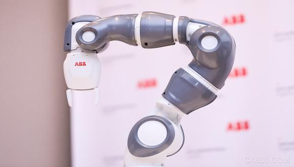 瞄准消费电子行业 工博会上ABB发布最迷你的工业机器人