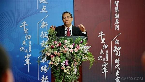 新松创始人曲道奎:中国机器人市场在爆发,为何国产机器人占比在下降?