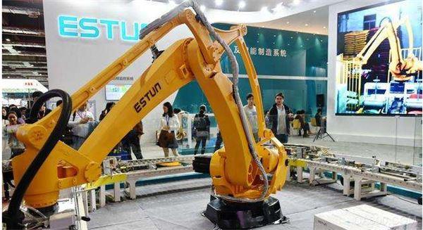 美的狙击KUKA后 埃斯顿再购德国百年焊接机机器人企业