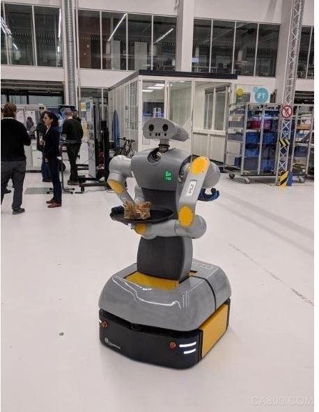 皮尔磁机器人HoLLiE在ROS-I会议上亮相