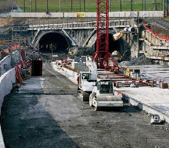 瑞士勒奇山隧道--用saia pcd实现监控任务