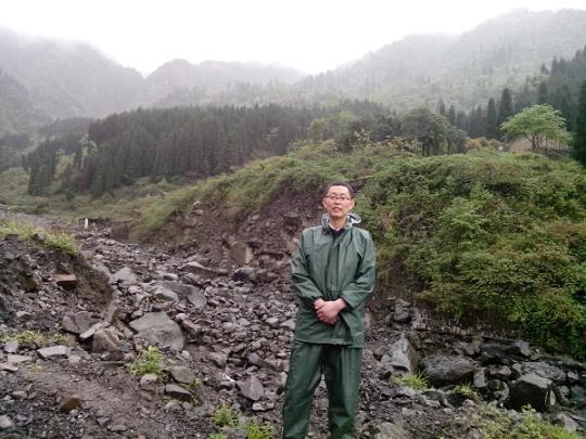杭州安布雷拉帮助德阳市国土局选择泥石流监测点