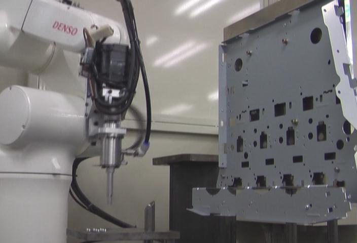 供东莞美崎机器人自动打螺丝  打螺丝机器人厂家