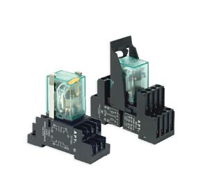 小型控制繼電器