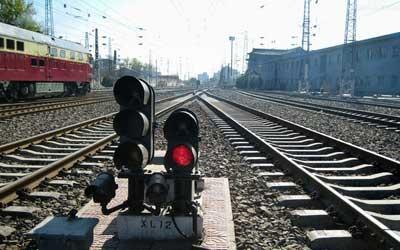 交通运输部:今年铁路公路投资超2.45万亿元