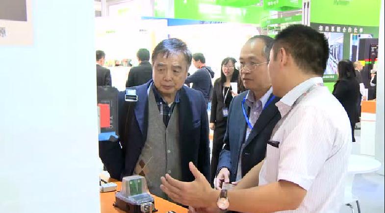 上海新能源行业协会朱元昊会长莅临魏德米勒展台