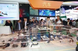"""全球高科技含量展品汇聚2017国际橡塑展——为振兴实体经济装上""""加速器"""""""