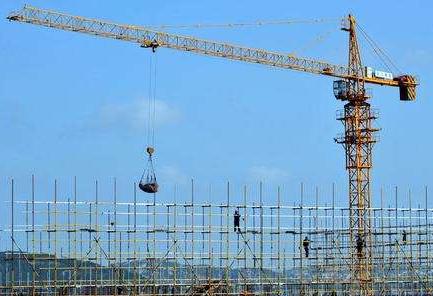 建筑业连续9个月高位扩张 铁公基投资快速增长