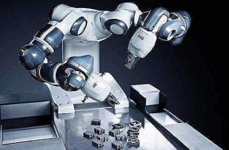 7月工业增速放缓至6.4% 工业机器人产量增长90%