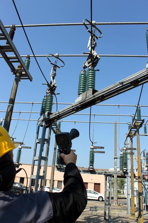 超声波局部放电检测技术在如何替代红外热像仪检测开关柜局部放电