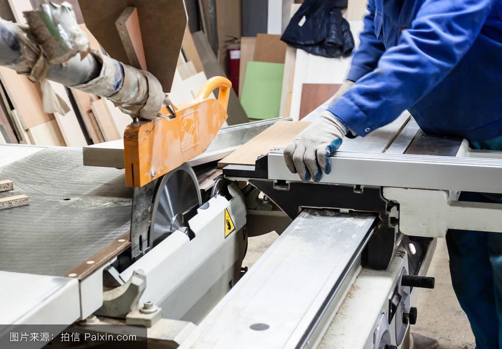 轻工制造行业周报:1-2月份家具制造业营收同比增长9.5%