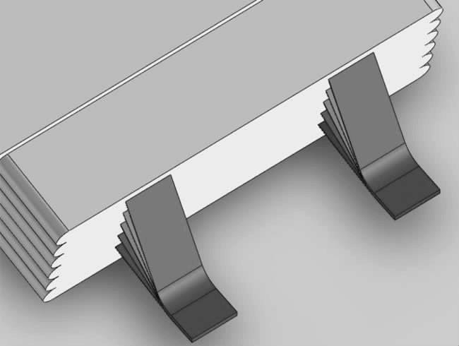 在焊接设备焊接前上进行电池极耳尺寸测量