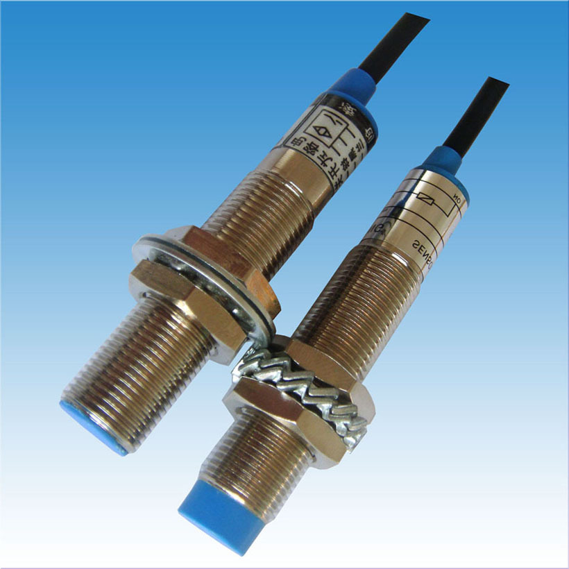耐高温的电感式接近开关IFL10-30-01YST-1310