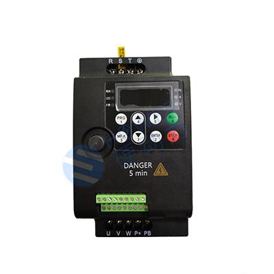 单相0.7KW 220V硬动力630系列无PG矢量变频器